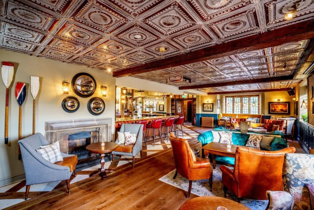 nelsons bar grosvenor pulford hotel spa bar lounge