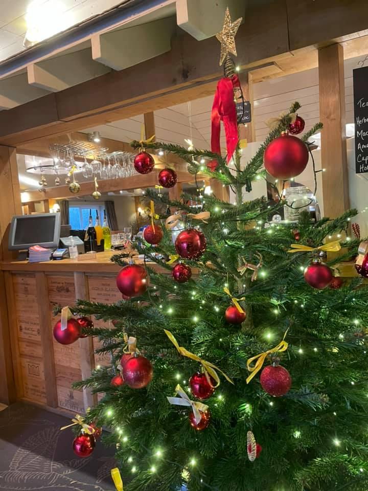 Wild Goose Lakeside Bar And Restaurant Christmas Tree