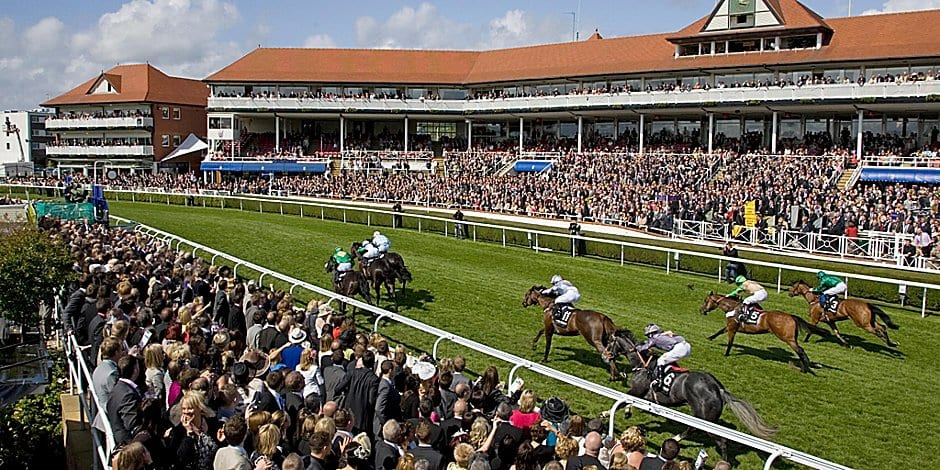 holiday inn express chester racecourse chester races