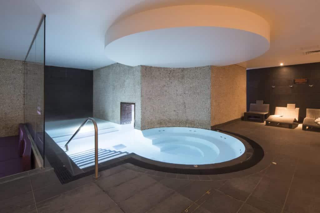 double tree spa pool (3)