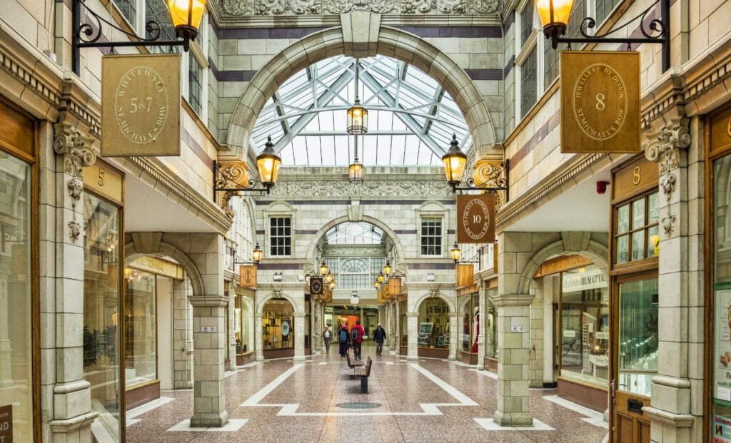 Chester St Michaels row shopping arcade