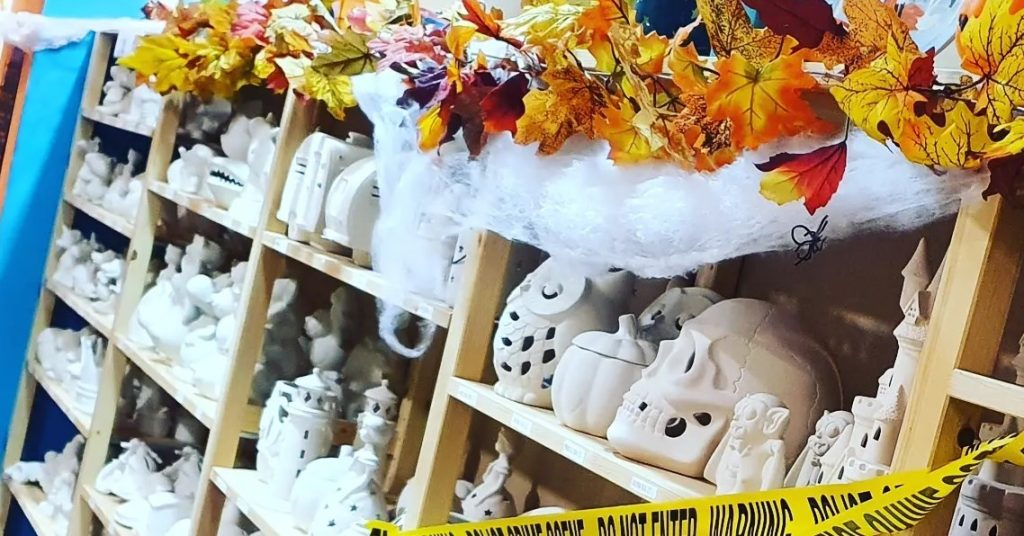 pictura studios halloween pottery painting
